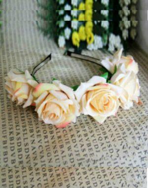 קשת פרחים לשיער