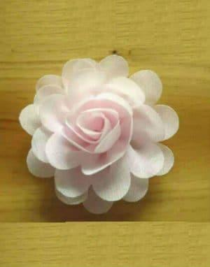 סיכת פרח קטן