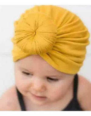 כובע עם גולגול מקדימה