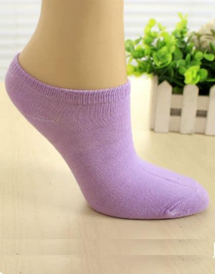 גרבי ספורט סגולים גרביים איכותיים לנשים, מכותנה, לנעלי ספורט/סניקרס/אולסאטר, קיים בצבע שחור, לבן, אפור, תכלת, סגול, ירוק וורוד. מתאים לנשים מידה 36-39